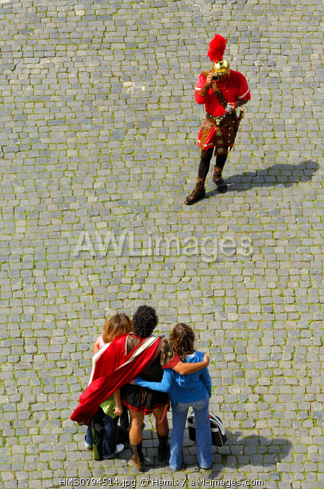 Italy, Lazio, Rome, historical center listed as World Heritage by UNESCO, the Roman Forum, extras dressed as Roman soldiers to pose with tourists