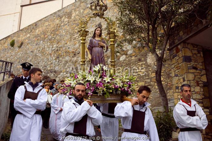 Sardinia, West Coast, Cuglieri region, Santa Imbenia procession in the churchyard