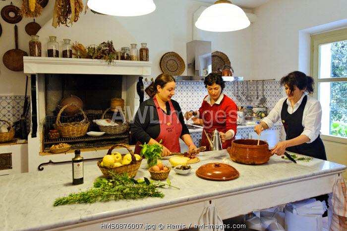 Italy, Sardinia, Sassari Province, Fertilia, Leda d'Ittiri farmhouse, group of women during a cooking class in a Sardinian holiday farm