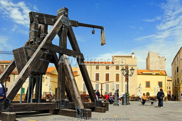 Italy, Sardinia, Sassari Province, Alghero, Marco Polo Defensive Shield,copy medieval catapult on the promenade facing the waterfront