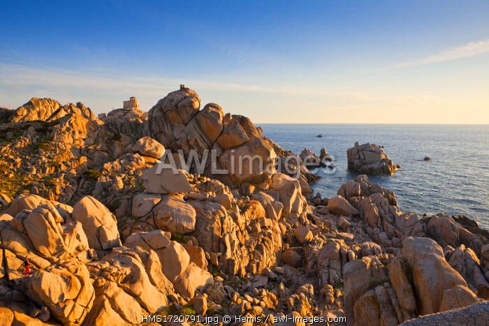 Italy, Sardinia, Province d 'Olbia-Tempio, Gallura, the granite rocks of Capo Testa face Corsica