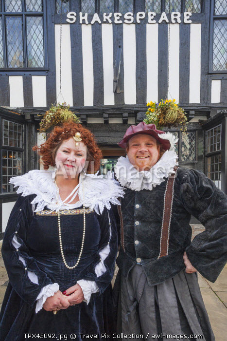 awl-images.com - England / England, Warwickshire, Stratford-upon-avon, Annual Shakepeares Birthday Festival, Couple Dressed as Shakespeare and his Wife