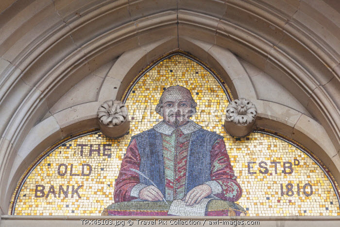 awl-images.com - England / England, Warwickshire, Stratford-upon-avon, Mosaic depicting Shakespeare on Facade of the Old Bank Building