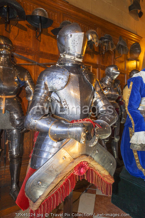 awl-images.com - England / England, Warwickshire, Warwick, Warwick Castle, Display of Armour