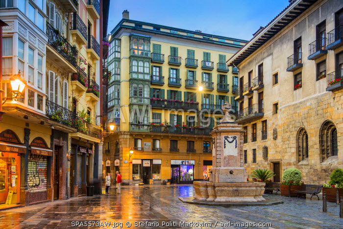 awl-images.com - Spain / Casco Viejo or Old Town at dusk, Bilbao, Basque Country, Spain