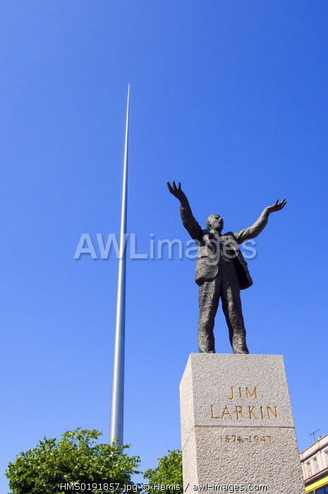 awl-images.com - Ireland / Republic of Ireland, County Dublin, Dublin, The Spire of Dublin or Monument of Light and James Larkin statue