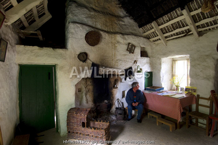 awl-images.com - Ireland / Republic of Ireland, County Galway, Aran Islands, Inishmaan, Teach Synge or John Millington Synge 's cottage