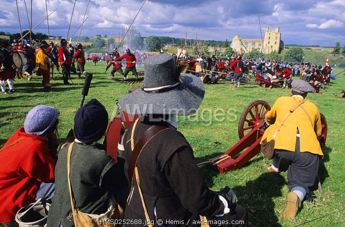 awl-images.com - England / United Kingdom, North Yorkshire, Helmsley Castle, reconstruction of the English Civil War Society