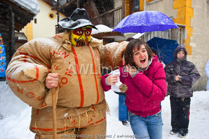 awl-images.com - Switzerland / Switzerland, Canton of Valais, Herens Valley, Evolene, during the carnival which takes place every year from the Epiphany evening to the Shrove Tuesday evening, the Winter Spirits are chased away by the Empailles (stuffed people), they invade the streets of the village and scare people with their broomsticks