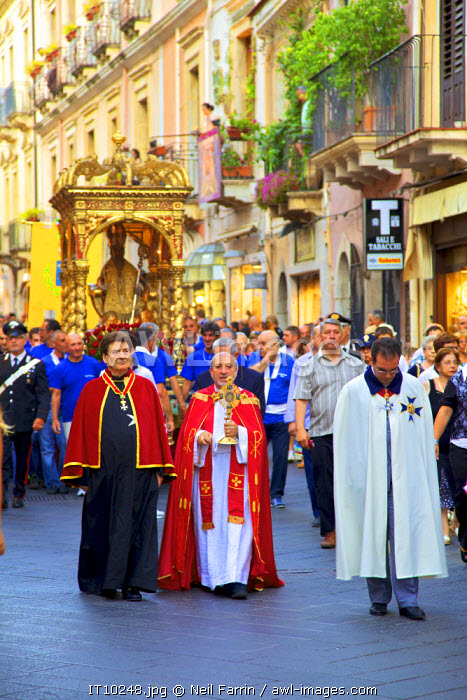awl-images.com - Italy / Feast Day of Saint Pancras, Taormina, Sicily, Italy