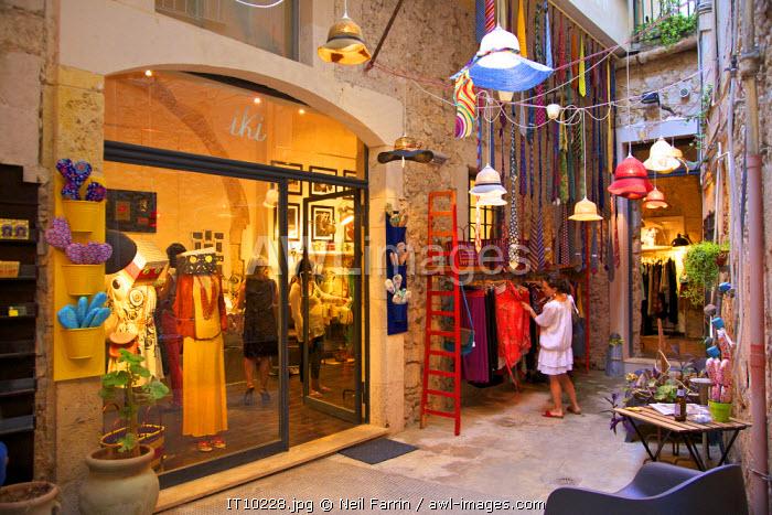 Shop, Ortygia, Syracuse, Sicily, Italy