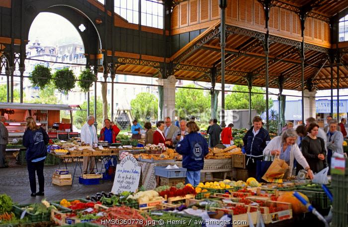Switzerland, Canton of Vaud, Montreux, the market