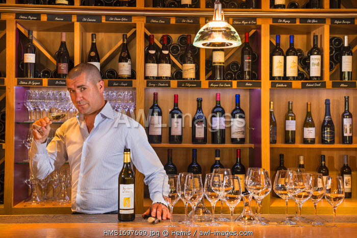 Switzerland, Canton of Vaud, Lausanne, winebar restaurant Nomade, David Leroy