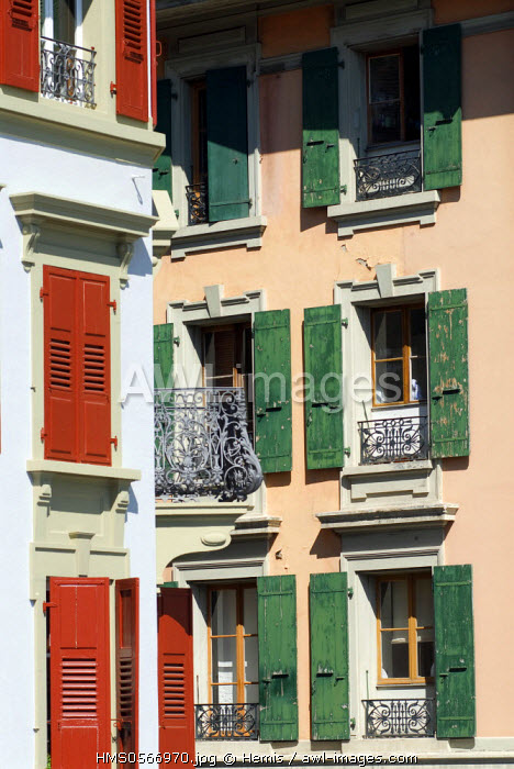 Switzerland, Canton of Vaud, Lausanne, colorful facades