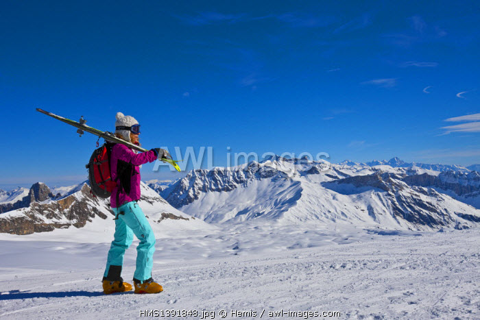 Switzerland, Canton of Vaud, Col de Pillon, Glacier 3000