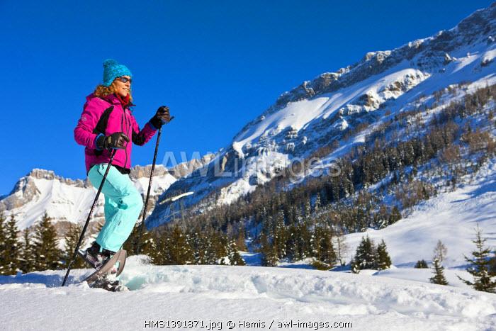 Switzerland, Canton of Vaud, Col de Pillon, Les Diablerets, snowshoeing