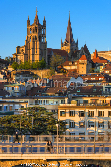 Switzerland, Canton of Vaud, Lausanne, city center, Notre Dame Cathedral and Grand Gateway Bridge and Europe Plaza