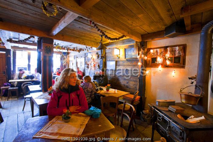 Switzerland, Canton of Vaud, Villars sur Ollon, Arrival bar (coffee)