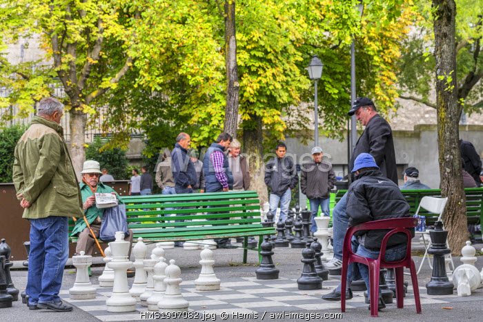 Switzerland, Geneva, Parc des Bastions, chess players
