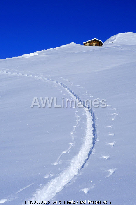 Switzerland, Grisons, alpine ski touring above St. Antonien
