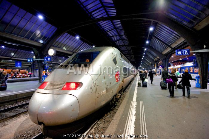 Switzerland, Zurich, Hauptbahnhof/central railway station, TGV train