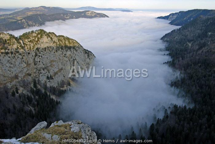 Switzerland, Swiss Jura mountains, canton of Neuchatel, the Val de Travers, Cirque du Creux du Van