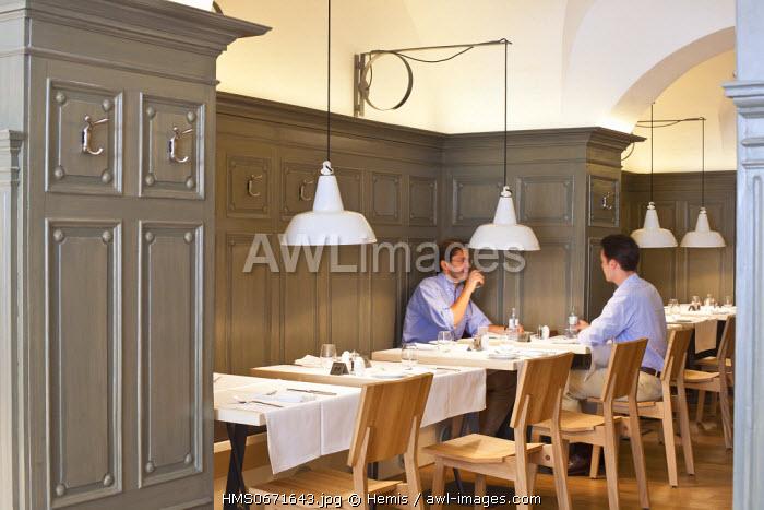 Vienna, Austria, Walfischgasse, restaurant Plachuttas, Gasthaus zur Oper opened in 2011