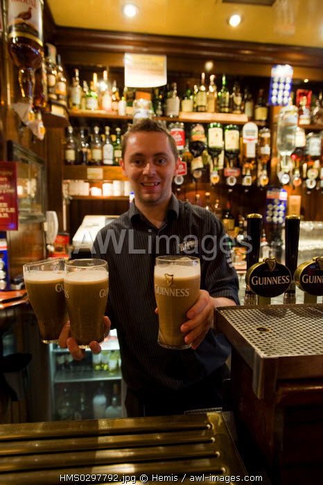 Republic of Ireland, Dublin, Temple Bar District, Temple bar, local guinness