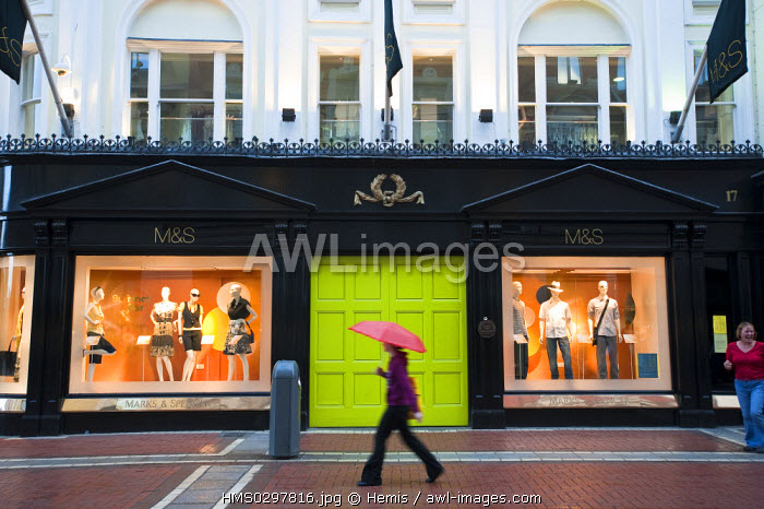 Republic of Ireland, Dublin, Grafton Street, pedestrian street with shops