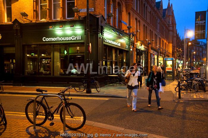 Republic of Ireland, Dublin, street scene