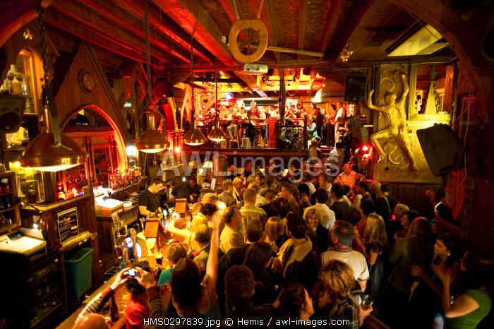 Republic of Ireland, Galway County, Galway, nightlife, The Quays Pub