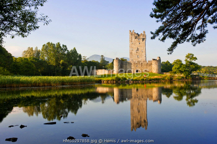 Republic of Ireland, Kerry County, South Coast, national park of Killarney, Ross Castle and Lough Leane (lower lake)