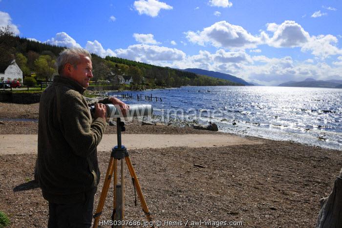 United Kingdom, Scotland, Highlands Region, Loch Ness, Steve Feltham who hunts Nessie since 1991