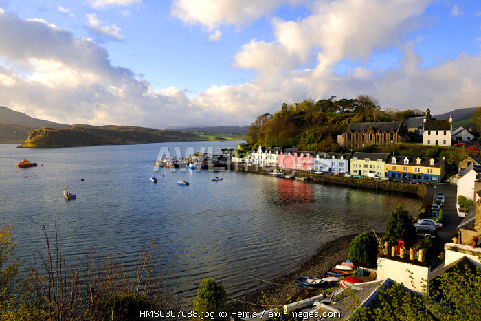 United Kingdom, Scotland, Highlands Region, Hebrides, isle of Skye, fishing harbour of Portree