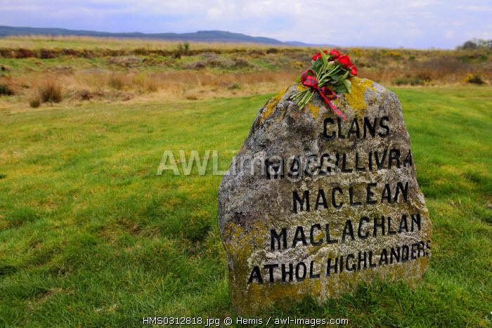 United Kingdom, Scotland, Highlands, Inverness, battleground of Culloden, tomb stone of Highlandsers fallen during the battle