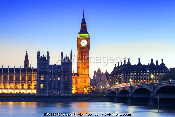 Europe, United Kingdom, England, London, Westminster, Houses of Parliament (Palace of Westminster) and the Thames at dusk