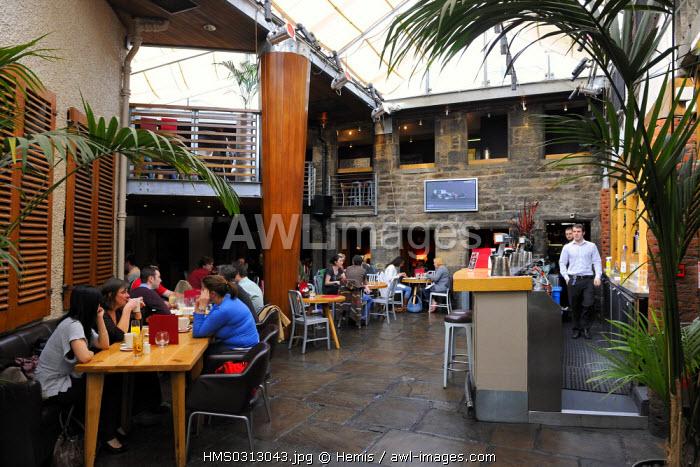 United Kingdom, Scotland, Edinburgh, listed as World Heritage by UNESCO, Indigo Yaard restaurant in Charlotte Lane