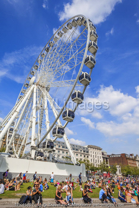 England, Manchester, Piccadilly Gardens, The Wheel of Manchester