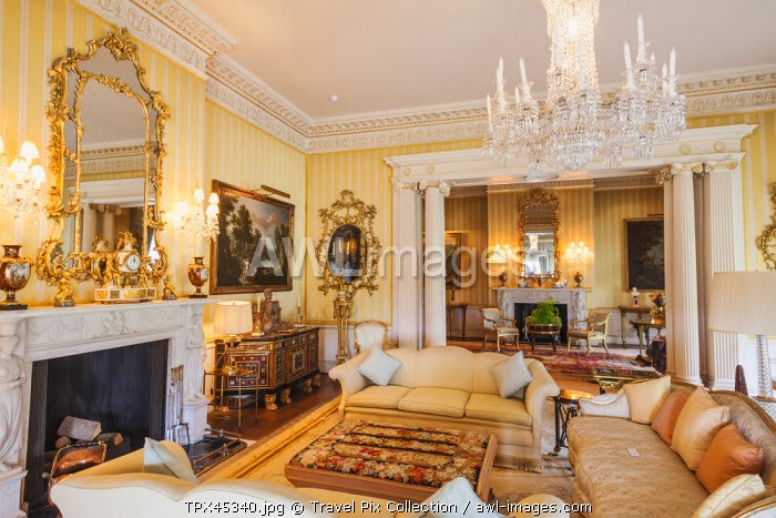 England, Hampshire, Hinton Ampner House, The Living Room