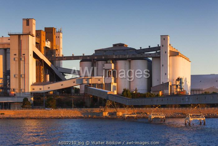 Australia, South Australia, Yorke Peninsula, Wallaroo, grain silos, dusk