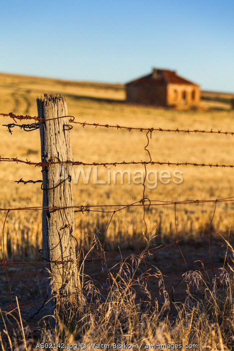 Australia, South Australia, Burra, former copper mining town, abandoned homestead