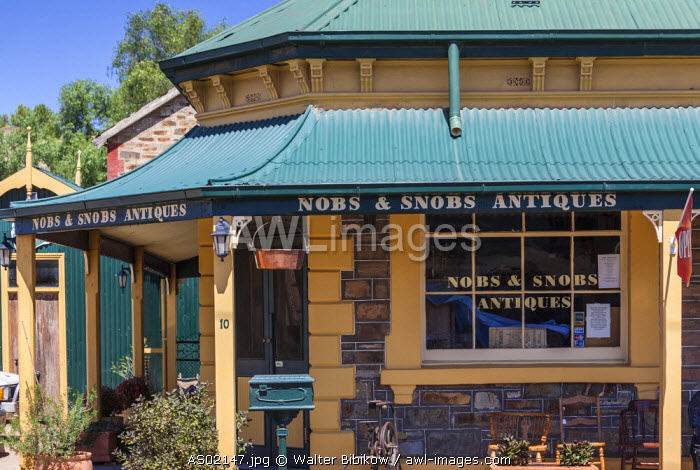 Australia, South Australia, Burra, former copper mining town, Nobs and Snobs Antiques shop
