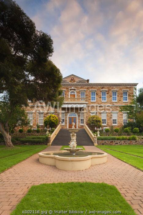 Australia, South Australia, Barossa Valley, Lyndoch, Yaldara Winery, exterior