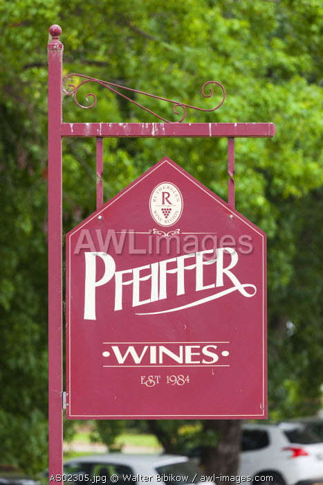 Australia, Victoria, VIC, Rutherglen, Pfieffer Winery, sign