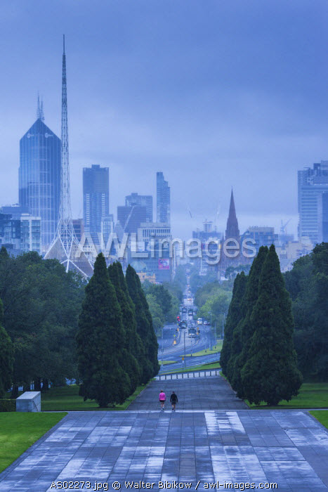 Australia, Victoria, VIC, Melbourne, skyline from the Shrine of Remebrance in the Kings Domain, morning