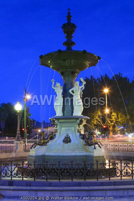 Australia, Victoria, VIC, Bendigo, Alexandra Fountain, dusk