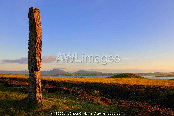 United Kingdom, Scotland, Orkney Islands, Mainland Island, beside the Loch of Stenness, standing stones (stone circle) from the Ring of Brodgar, listed as World Heritage by UNESCO
