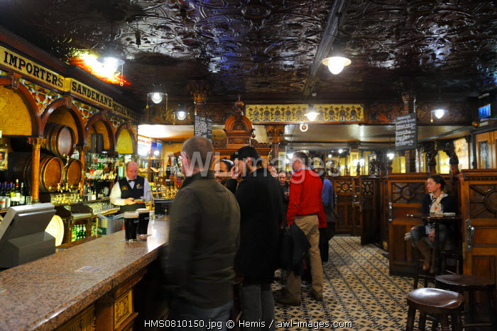 United Kingdom, Northern Ireland, Belfast, The Crown Liquor Saloon was founded in 1826 and is the unique pub to be part of the National Trust