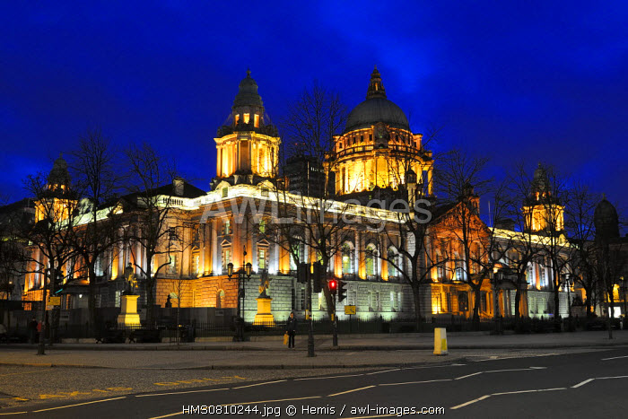 United Kingdom, Northern Ireland, Belfast, the City Hall on Donegal square