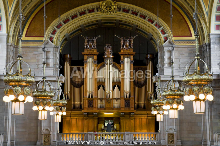United Kingdom, Scotland, Glasgow, Kelvingrove Art Gallery and Museum, one of the fifteen museums of art the most visited in the world